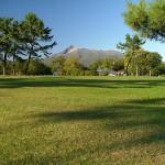 大沼公園広場から見た駒ケ岳