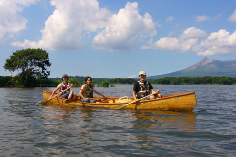 4_persons_canoe.jpg