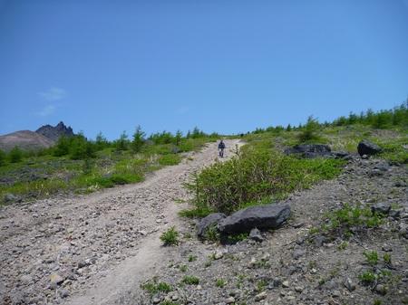 山頂まで200m.JPG