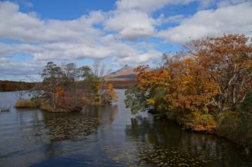 大沼の秋 紅葉と駒ケ岳
